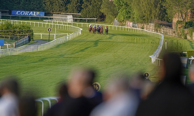 14:10 Sandown: Timeform preview and free Race Pass